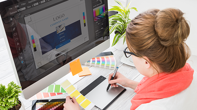 Why Financial Advisors Should Work with a Graphic Designer